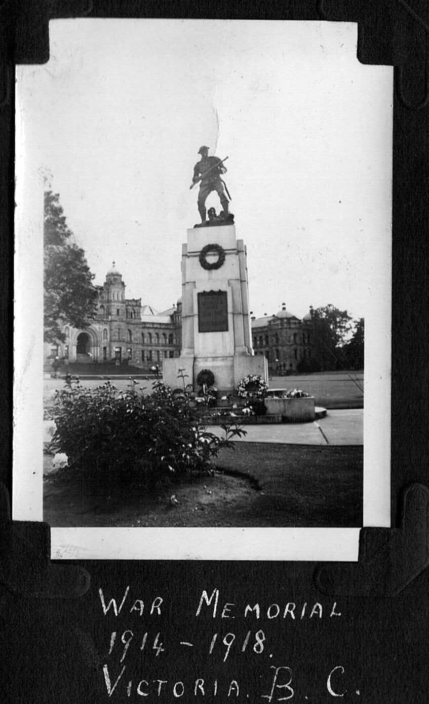 War Memorial 1943